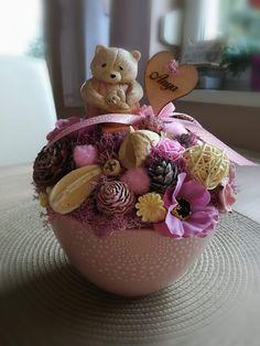 Hand made by Titi handmade. Door Wreaths, Decorations, Handmade, Vintage, Flower Vases, Hand Made, Dekoration, Vintage Comics, Ornaments