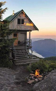 Tagged with nature, outdoors, cabin; Shared by That Cabin Life Aesthetic Cabin Homes, Log Homes, Future House, Beautiful Homes, Beautiful Places, Beautiful Dream, Peaceful Places, Amazing Places, Cabins And Cottages