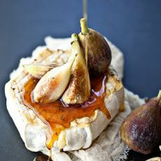 Grilled Soft Cheese, Thyme Honey and Fresh Figs Recipe with wheels, honey, thyme, figs