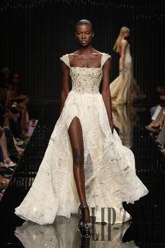 Tony Ward Fall-winter 2010-2011 - Couture - http://www.flip-zone.com/tony-ward-1798