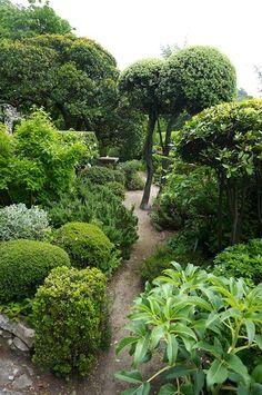 The Joanne Green Blog | La Louve a Provence Garden by Nicole de Vesian