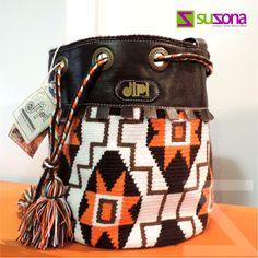 Productos elaborados a mano en #cuero, fusionados con el tejido #Wayúu. Patrimonio Colombiano.