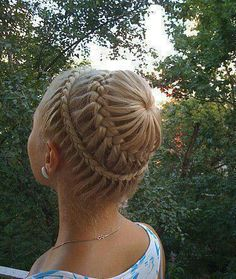 I think that this is a really cool hairstyle and would so like to be able to do this one day!