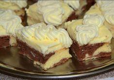 Excellent dessert with vanilla cream and whipped cream with mascarpone. Czech Desserts, Romanian Desserts, Baking Recipes, Dessert Recipes, Finger Desserts, Fudge, Czech Recipes, Hungarian Recipes, Sweet Tarts