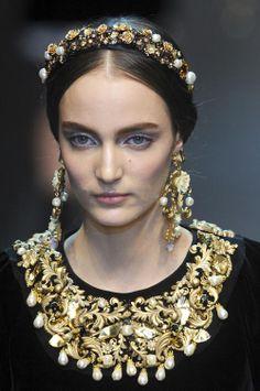 Trang sức mang phong cách Baroque