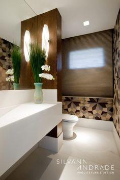 Navegue por fotos de Banheiros modernos: CASA DAS ARTES. Veja fotos com as melhores ideias e inspirações para criar uma casa perfeita.