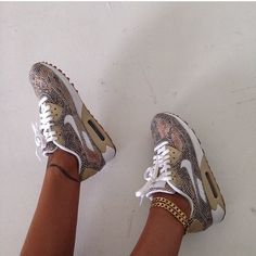 Ankle jewelry with some grey AirMax