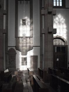 Sonne und Kirchenfenster .... http://fc-foto.de/35496927