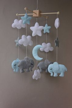 elephant mobile elephant nursery clouds mobile baby mobile mobile baby mobile bb cot mobile felt mobile hanging mobile elephant baby room decor baby shower gift boy mobile Size: height from the wooden frame for mobile down 15 (38 cm) toys 4 This listing incudes: - 4 elephants - 5