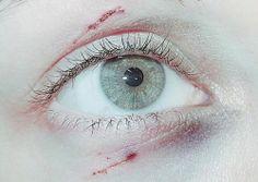 v e r l o r e n  .  {eye color; no effects}