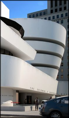 SATC : Guggenheim Museum - New York 1071 5th Ave. (at 89th St.)