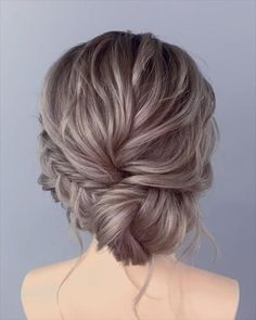 Gorgeous Wedding Hair Trends 2020 Wedding hair patterns, much the same as different parts of a wedding, from the dress to sty. Wedding Hairstyles Tutorial, Bride Hairstyles, School Hairstyles, Prom Hairstyles Updos For Long Hair, Short Updo Hairstyles, Mother Of The Groom Hairstyles, Bridal Hair Tutorial, Office Hairstyles, Stylish Hairstyles