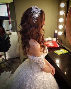 Düğün günü stresden uzak durun.. Gerisi bizde �� #weddingday #bridalfashion #bridal #gelinsaci #basakkuafor #ziyaozdag http://gelinshop.com/ipost/1522316893372789279/?code=BUgWyYhD7If