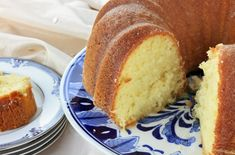 March is National Pound Cake Day! Why not celebrate by making one of our delicious pound cake recipes? Buttermilk Pound Cake, Sour Cream Pound Cake, Lemon Bundt Cake, Cream Cake, Vanilla Cake, Lemon Desserts, Köstliche Desserts, Delicious Desserts, Dessert Recipes
