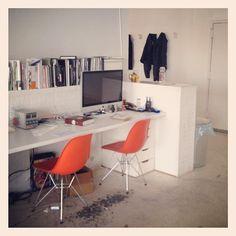 We love the chairs. @DesignMilk at @Tattly office with @swissmiss #design #nyc #brooklyn