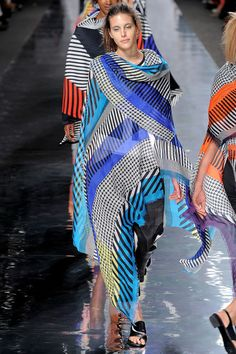 Issey Miyake | Spring 2013 Ready-to-Wear Collection | Style.com