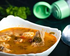 Ciorba de perisoare - Katty.ro Thai Red Curry, Ethnic Recipes, Food, Essen, Meals, Yemek, Eten