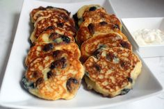 Russian's don't do pancakes. We don't. I grew up with three other things that stand in for pancakes. Nalisniki are crepes and too thin to be pancakes. Oladiye are usually yogurt o…