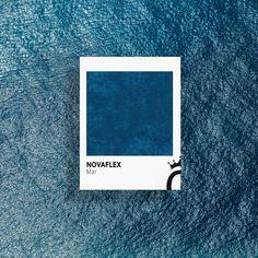 En el #DíaMundialdelosOcéanos, ¡qué mejor que traerlos a nuestra mente con este azul intenso! El recuerdo de la alta mar recorrerá vuestros sentidos 🌊 Colours, Texture, Frame, Home Decor, International Waters, Blue, Homemade Home Decor, Interior Design, Frames