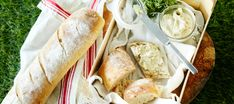 Fresh Rolls, Bread Recipes, Camembert Cheese, Picnic, Bbq, Food And Drink, Vegan, Chicken, Baking