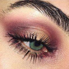 Maroon smokey eye ⭐️Eye created using Dazzle Shadow in Slow/Fast/Slow, Sketch Eye Shadow, Costa Riche Eye Kohl, Brow Set and In Extreme Dimension Mascara. #regram from M·A·C Resident Trainer @laurabangs_beauty #MACCosmeticsUK #MACCosmetics