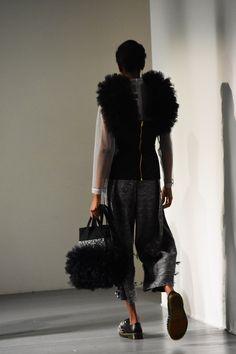 Amazing design by KIRSTY WARD - DAVID LONGSHAW, On/Off London! Insect Photos, Kids Fashion, Fashion Show, Love Magazine, Vogue Japan, Show Photos, Alberta Ferretti, Looking Stunning, Fashion Stylist