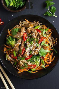 Asian cuisine: the best recipes Whole 30 Crockpot Recipes, Whole30 Recipes Lunch, Easy Whole 30 Recipes, Rice Recipes For Dinner, Nasi Goreng, Curry Recipes, Asian Recipes, Vegan Avocado Recipes, Parmesan Recipes