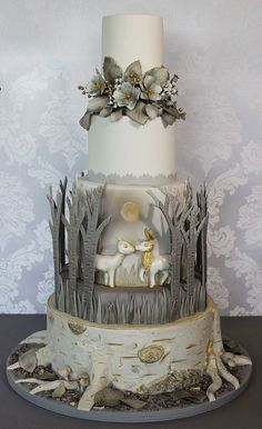 Holiday Wedding Cakes Too Pretty To Ignore ~ wow!  Silver + gold wedding cake by Immaculate Confections