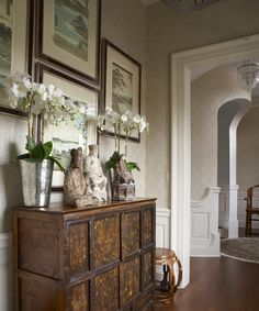 Vintage French Soul ~ British Colonial Style Design Ideas, Pictures, Remodel, and Decor West Indies Decor, West Indies Style, British Colonial Decor, Asian Interior, Asian Home Decor, Living Room Grey, Vintage Home Decor, Decoration, Interior Design