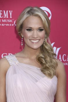 Carrie Underwood low side ponytail