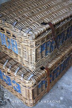 #21/044 Wicker Basket with Lid detail