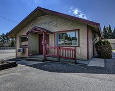 Downtown Commercial Building- MLS 164776