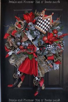 Queen Wreath with black and white ornaments-Petals & Plumes-Hat n' Boots Collection Christmas Decorations-Wreath-Valentines Decorations Alice in Wonderland Valentine Day Wreaths, Valentine Decorations, Holiday Wreaths, Holiday Crafts, Holiday Fun, Christmas Decorations, Valentines, Holiday Parties, Wreath Crafts