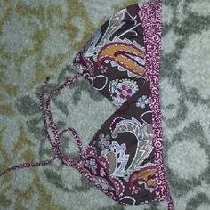 Athleta wrap bikini top Athleta wrap bikini top in reversible prints. Like new condition! Modest covering. Athleta Swim Bikinis