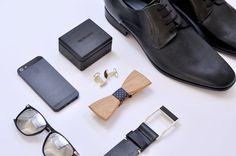 BeWooden bietet eine Vielzahl an hochwertigen, hölzernen Accessoires an. Darunter befinden sich Fliegen, Manschettenknöpfe und Geldbörsen. Erfahre mehr.