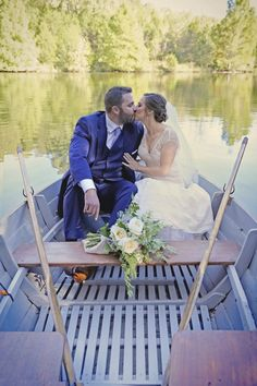 Love this shot of the boat on #mooncakelake #CedarwoodWeddings #wedding #weddingphotography