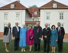 kongehuset.no - Grunnlovsfeiring på Eidsvoll  Royals from all three Scandinavian countries before Eidsvollbygningen: Crown Princess Mette-Marit, Prince Henrik, Queen Margrethe, Queen Sonja, King Harald of Norway, King Carl Gustaf and Queen Silvia, Crown Prince Haakon. Photo: Berit Roald / Scanpix NTB