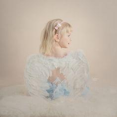 #fotograf_szczecin #sobota_fotografia #girl #angel #indoorsession #childrenphotography #naturallight #portrait