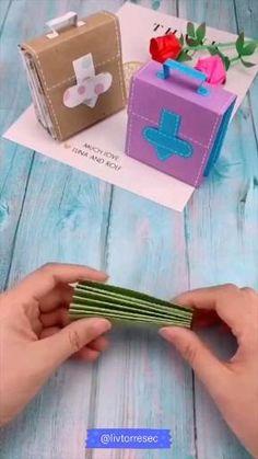 Cool Paper Crafts, Paper Crafts Origami, Diy Crafts For Gifts, Diy Home Crafts, Diy Arts And Crafts, Creative Crafts, Diy Paper, Fun Crafts, Diy Gifts Small