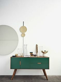 We can't wait for the new deco trends that 2017 will bring us and until then we gathered seven cool predictions for the next year. We are talking creative materials, elegant colors and gorgeous deco i Painted Furniture, Modern Furniture, Home Furniture, Furniture Design, Vintage Furniture, Green Furniture, Furniture Ideas, Furniture Stores, Furniture Vanity