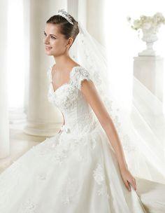 SARINA, Wedding Dress