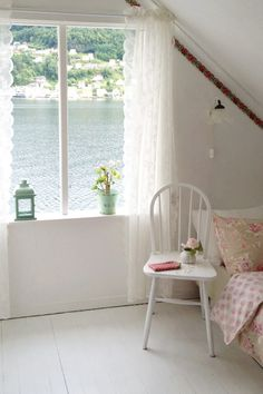 Bedroom overlooking the water