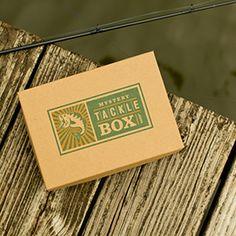 Yo quiero la suscripción de Mystery Tackle Box. La suscripción cuesta ochenta y cinco y cincuenta centavos en el Internet.