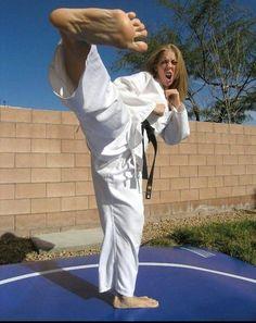 Martial Arts Women, Women's Feet, Female Art, Barefoot, Harem Pants, Kicks, White Dress, Dresses, Fashion