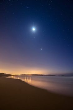 Moon, Jupiter and Venus. Valdearenas, Castile-La Mancha, Spain, by Jesus Bravo… Beautiful Moon, Beautiful World, Beautiful Images, Beautiful Nature Wallpaper, Cosmos, Cool Pictures, Cool Photos, To Infinity And Beyond, Science And Nature