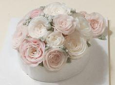butter cream flower cake