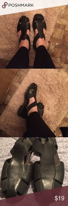 Selling this Womens Black Leather open shoes 9m sandal on Poshmark! My username is: kathyskashkrop. #shopmycloset #poshmark #fashion #shopping #style #forsale #aerosole #Shoes