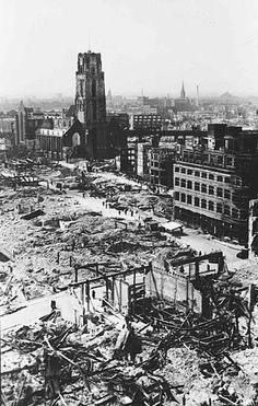 Rotterdam - Na bombardement WWII Rotterdam, City State, Eindhoven, Most Beautiful Cities, World War Two, Old Pictures, Netherlands, Holland, Dutch