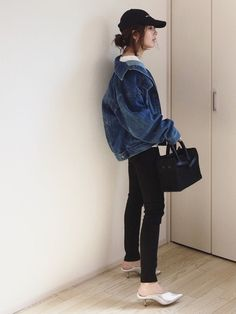 Hmm maybe not the shoes. This is great tho Korean Girl Fashion, Womens Fashion, Fasion, Casual Looks, Overalls, Ootd, Street Style, Denim, Lady