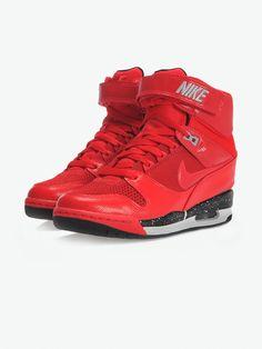 Nike WMS AIR REVOLUTION SKY HI